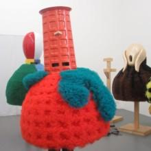 Essayage des sculptures de La Parade moderne