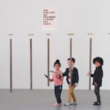 Les tous petits découvrent l'exposition de David Horvitz